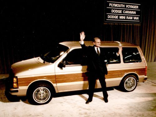 01-1984-chrysler-minivan-launch